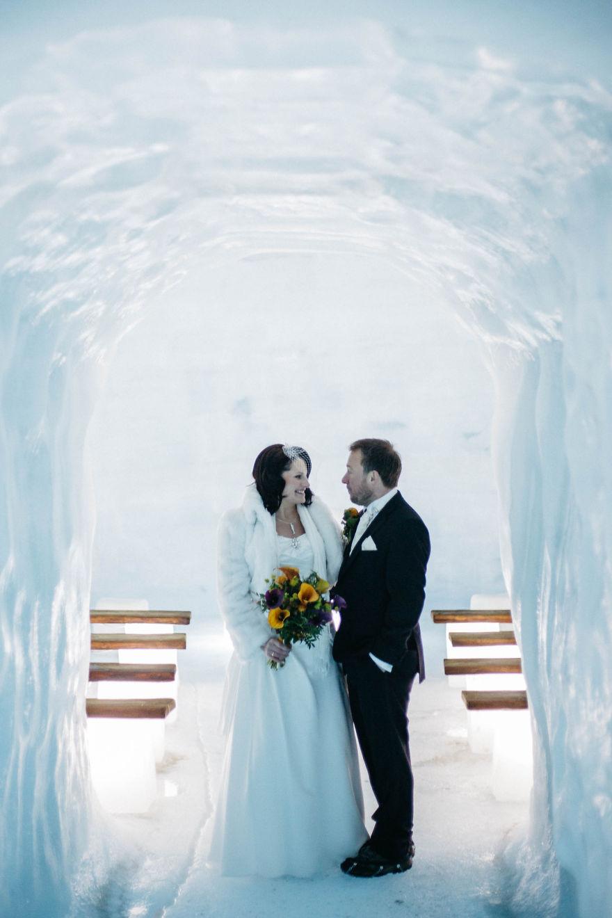 marriage exceptionnel dans un glacier en iseland voyage actus. Black Bedroom Furniture Sets. Home Design Ideas